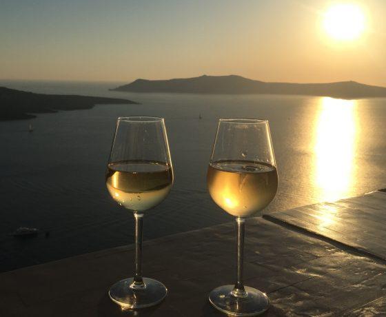 Wine tasting i-Santorini