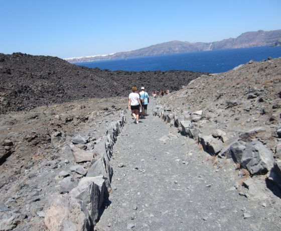 Short trip Volcano Thirasia. i-Santorini