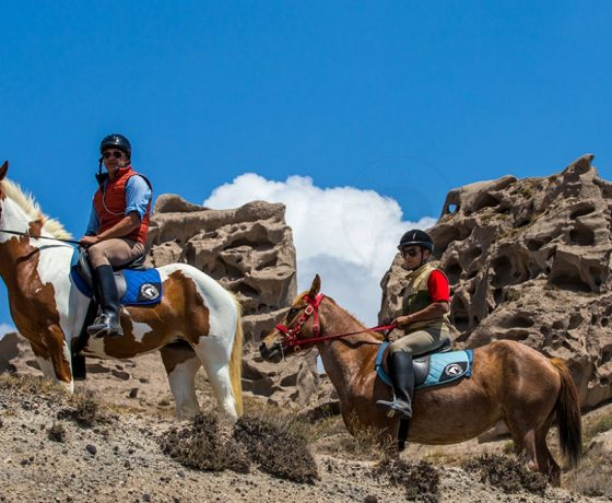 Horseback riding i-Santorini
