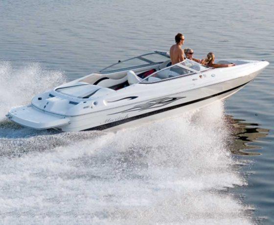 Rent a boat inn Santorini